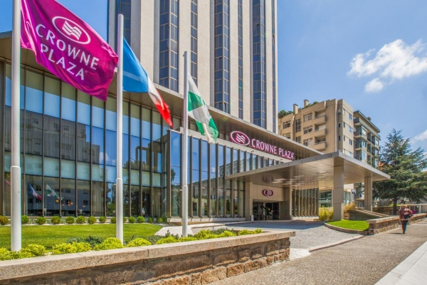 """Giving for Good"" no Crowne Plaza Porto, a solidariedade em acção"